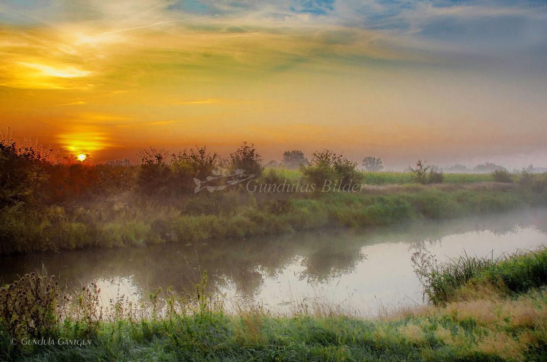 Sonnenaufgang im  Herbst 20200914-7738