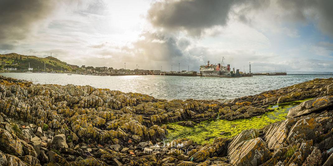 Blick auf den Hafen von Mallaig - Von hier aus fährt eine Fähre auf die Isle of Skye
