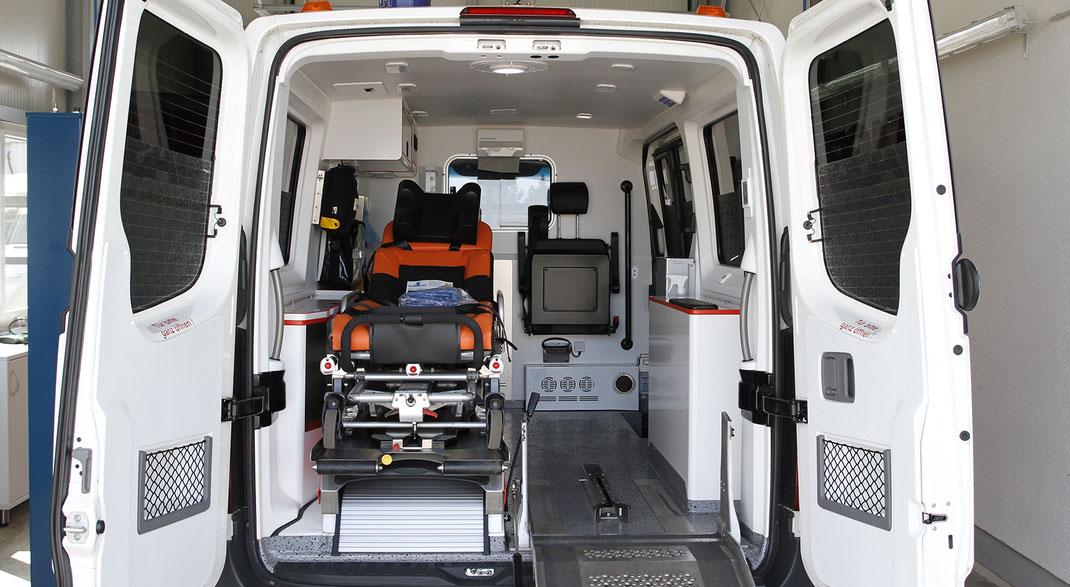 Blick in das Innere eines Rettungswagens. / Bildquelle: Kfz-Service Park GmbH