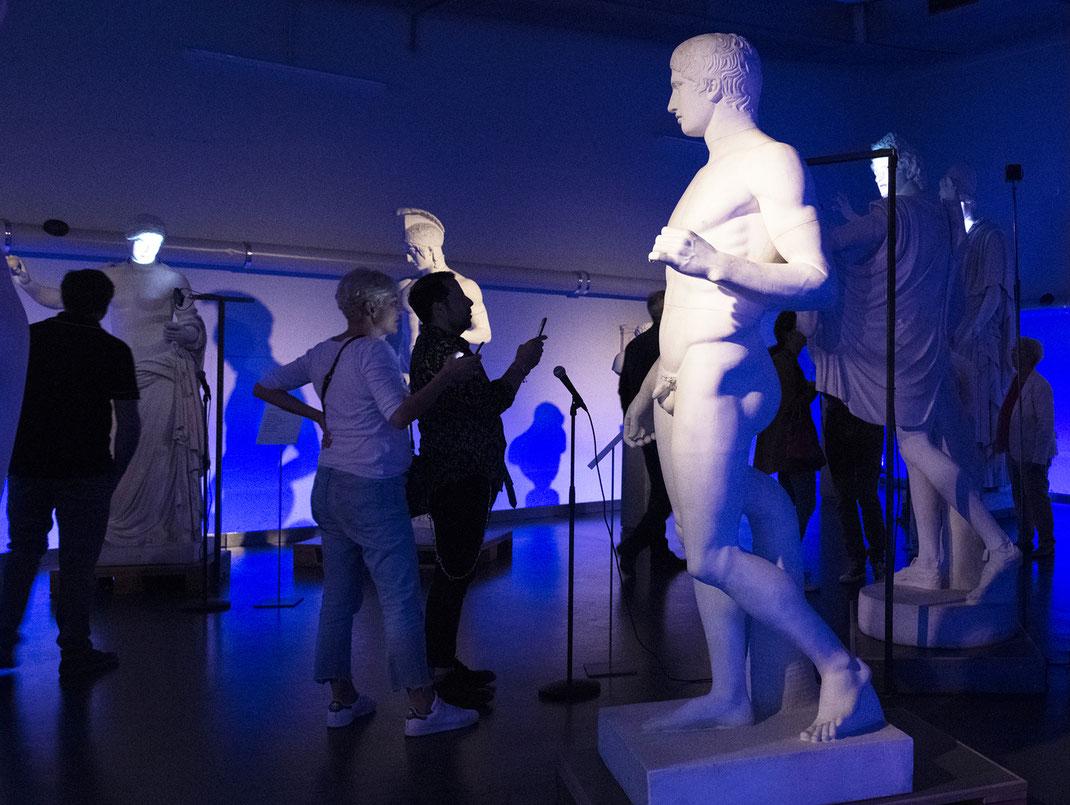 reconnaissance_vocale_moyens_numériques_sculptures_qui_parlent_exposition_interactive_collection_d'antiquités_classiques_Université_de_Berne_Suisse