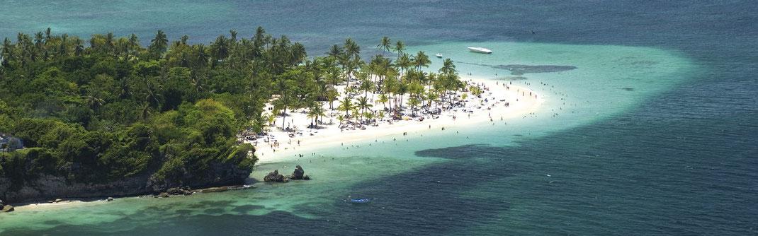 MSC Karibik Kreuzfahrten 2022-2023, wir empfehlen Suite im MSC Yacht Club Wellness zu Zweit zu buchen - Karibik Reisen Insel Cayo Levantado in der Dominikanischen Republik @ Foto MSC Cruises