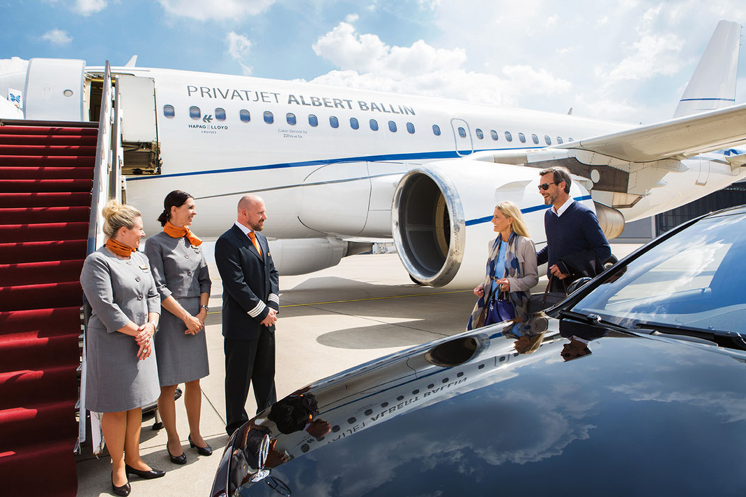 """Weltreisen im Privatjet """"Albert Ballin""""  ab/bis Hamburg & Zürich hier mit kompetenter Expertenberatung vom Touristik-Fachwirt (c) Foto Hapag-Lloyd Cruises, eine Unternehmung der TUI Cruises GmbH"""