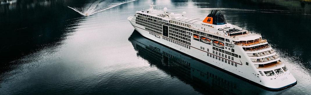 Hapag-Lloyd Kreuzfahrten mit MS Europa 2 Nordland-Kreuzfahrten 2021 zu Norwegens Fjorden, Skandinavien, Baltikum und Russland (c) Foto Hapag-Lloyd Hamburg