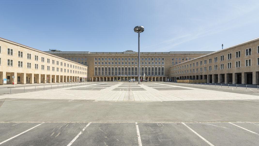 Haupteingang Flughafen Berlin Tempelhof