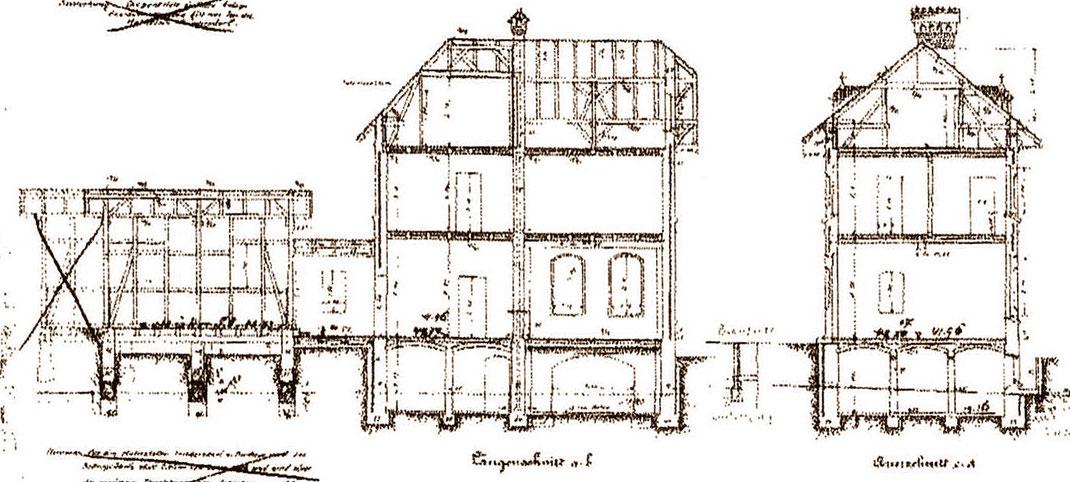 Zeichung des ursprünglichen Bahnhofgebäudes in Zernsdorf von der Gleisseite und von Westen aus gesehen