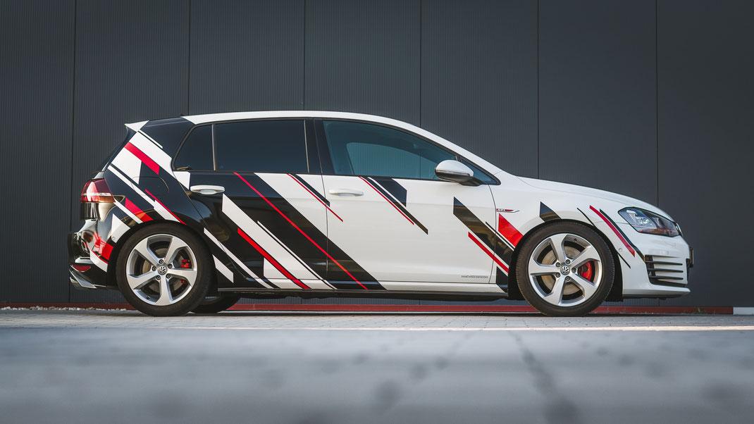 Autofolierung,Scheibentönung bei einem Golf GTI