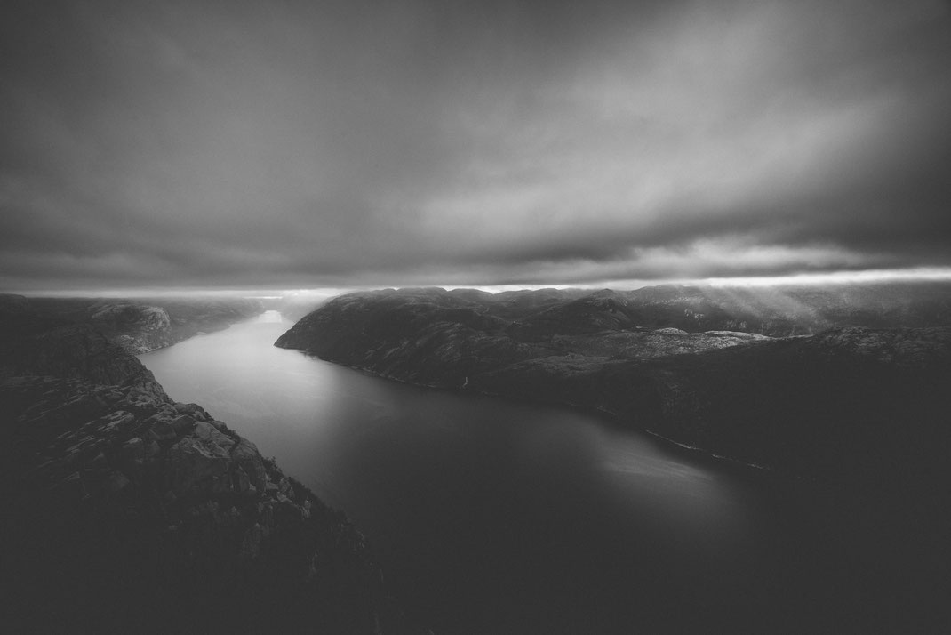 a black & white image of the Lysefjord as seen from the mountains