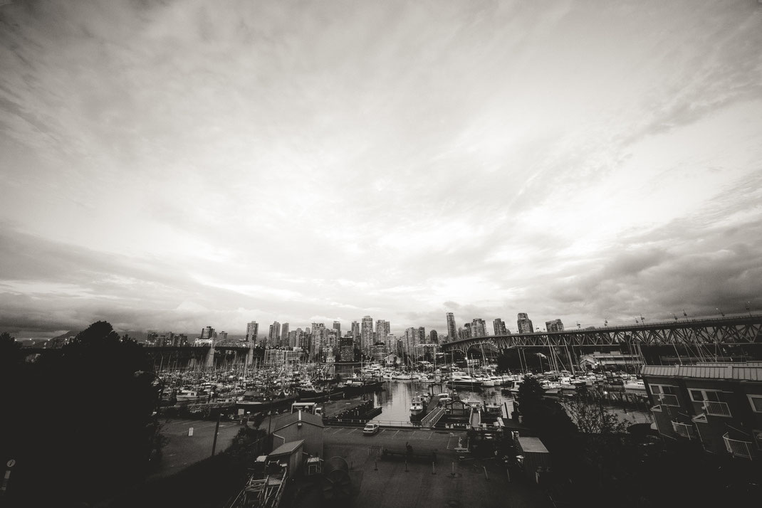 the city skyline of Vancouver
