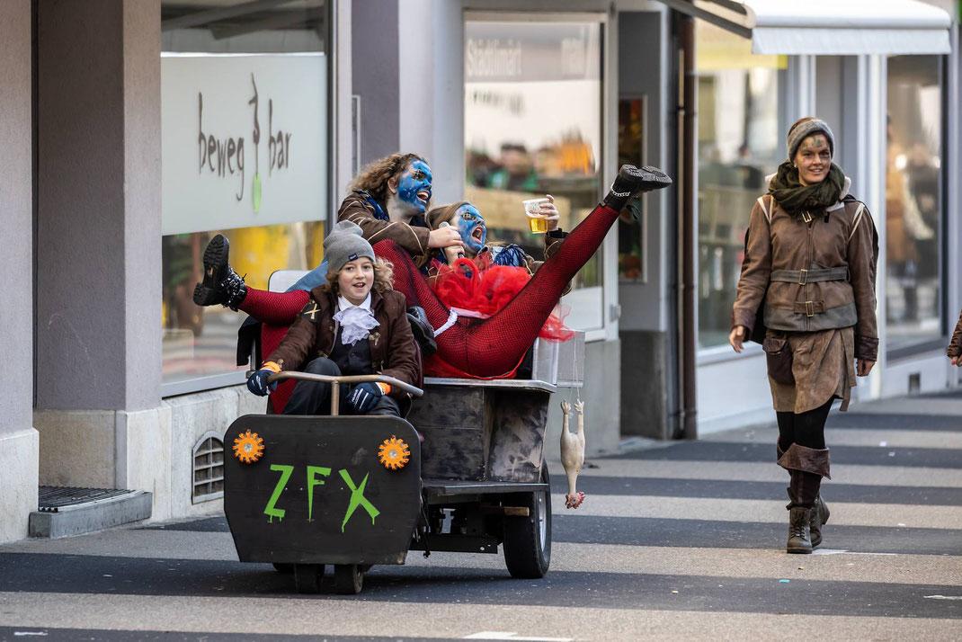 ZFX-Taxi mit gutgelaunten Gästen...