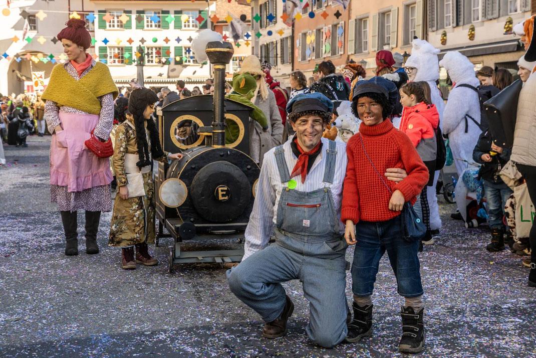 Jim Knopf mit eigener Dampflok am Kinderumzug
