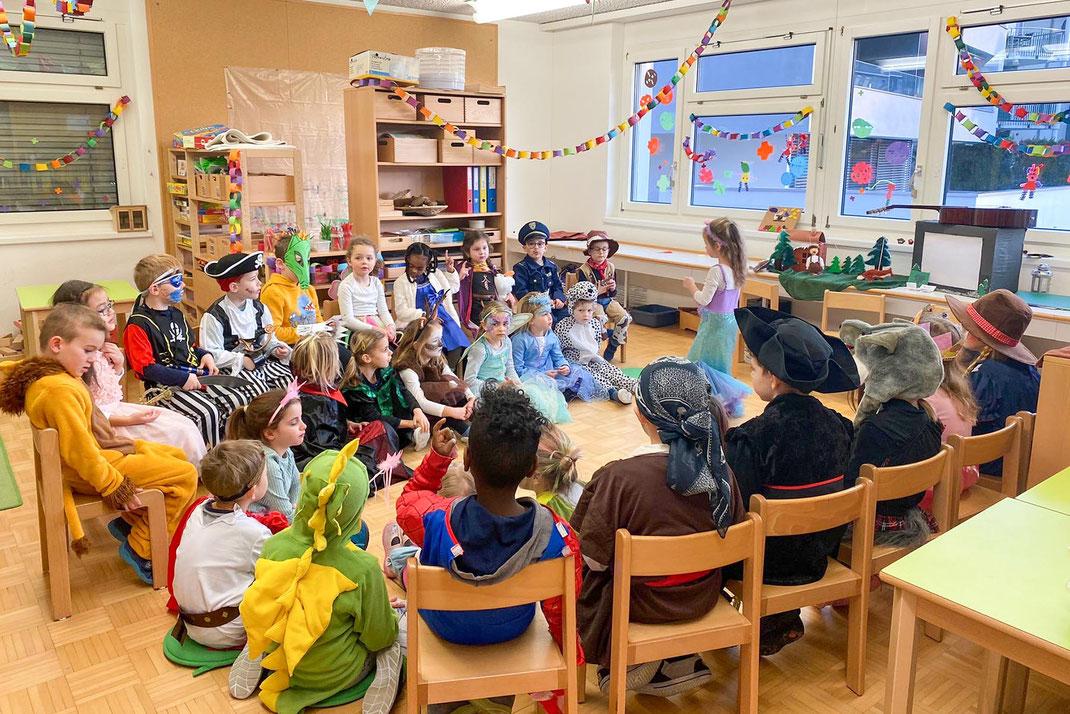 Musikschulleiter und Karnöffler Franz Gehrig besuchte am 5. Februar 2021 den Kindergarten