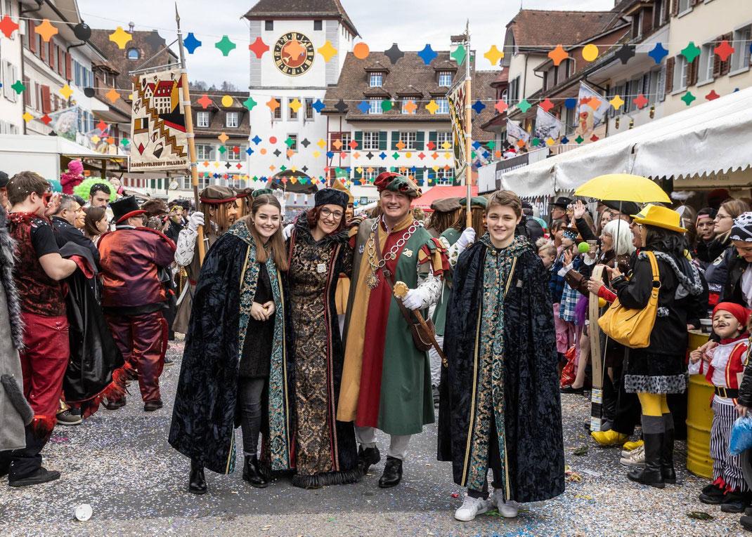 Die Zunftmeisterfamilie mit Chiara, Madeleine, Stephan und Aurel Kneubühler