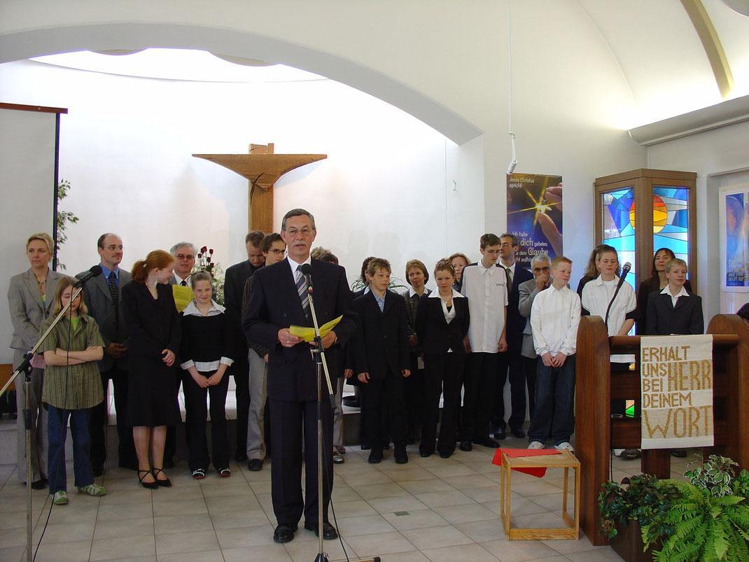 Prediger Martin Schumann spricht