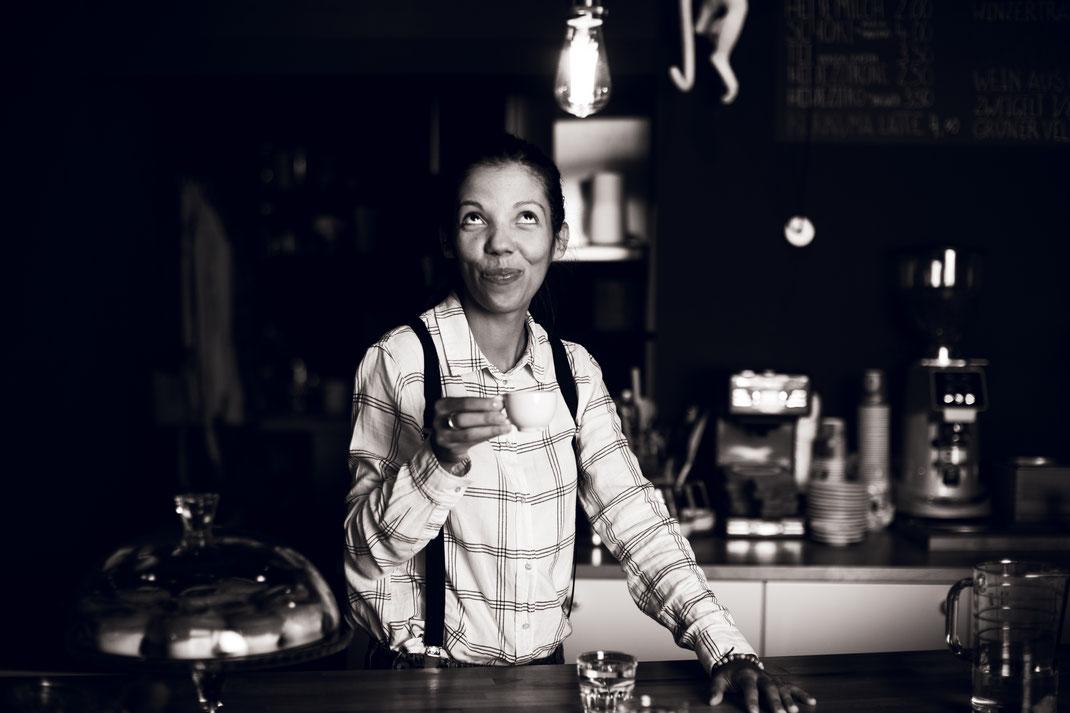Das bin ich, die Gastgeberin und Kaffeeliebhaberin - Miriam