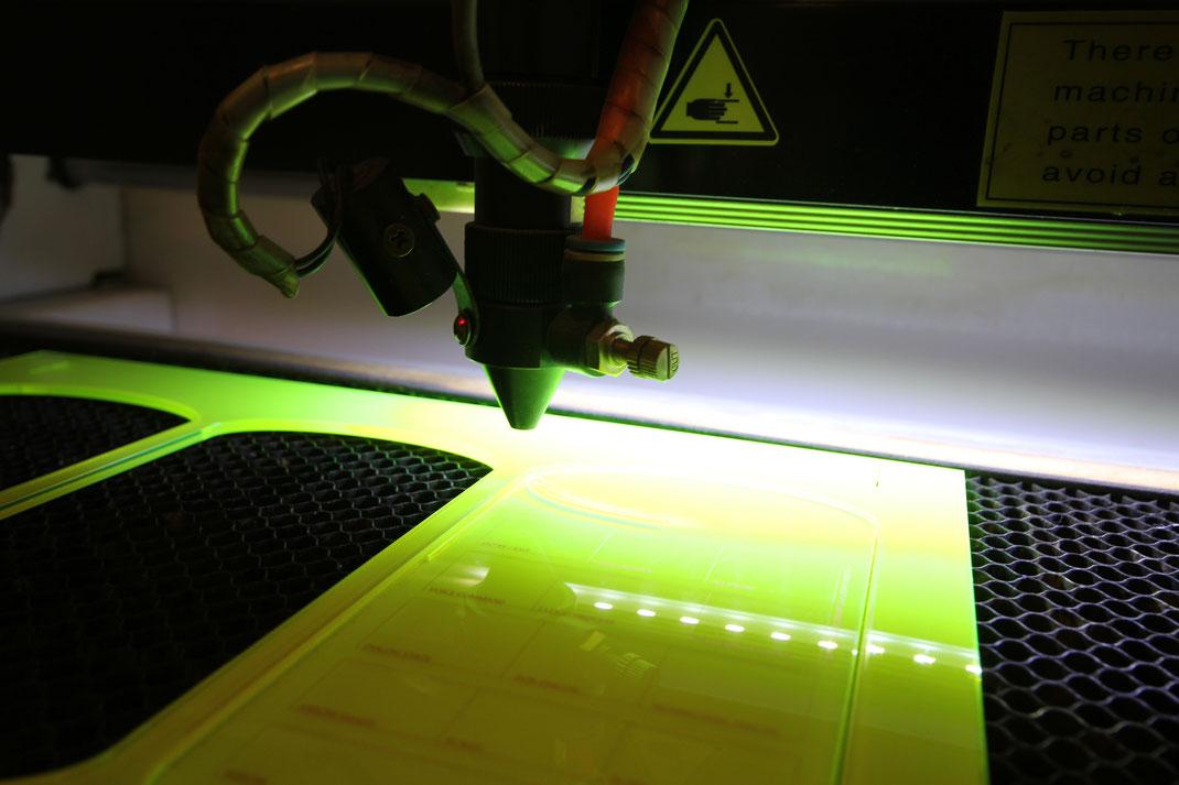 Laserschneiden Und Feinlasern Acryl Formen Luezidigital