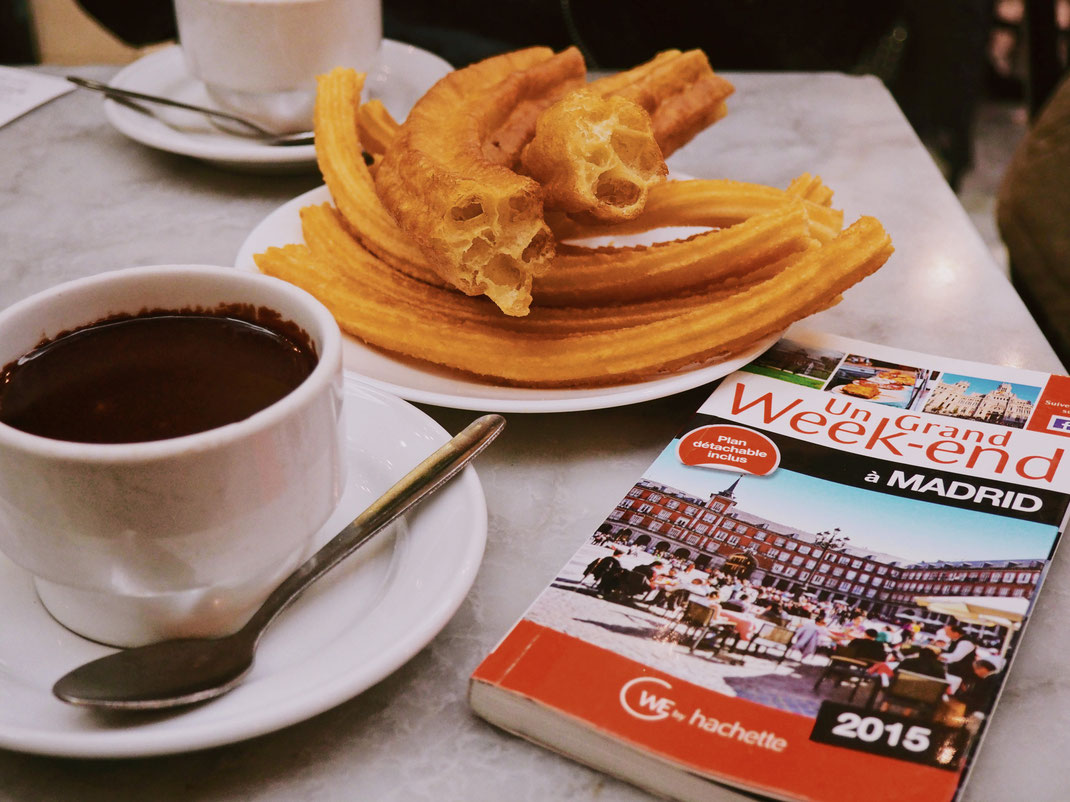 Churros, porras and thick hot chocolate in San Ginés - What a great way to hit the day!