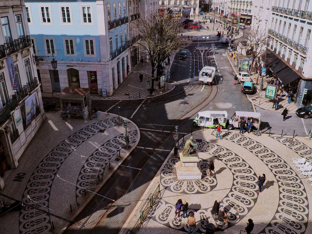 Nice pavement pattern in Baixa-Chiado