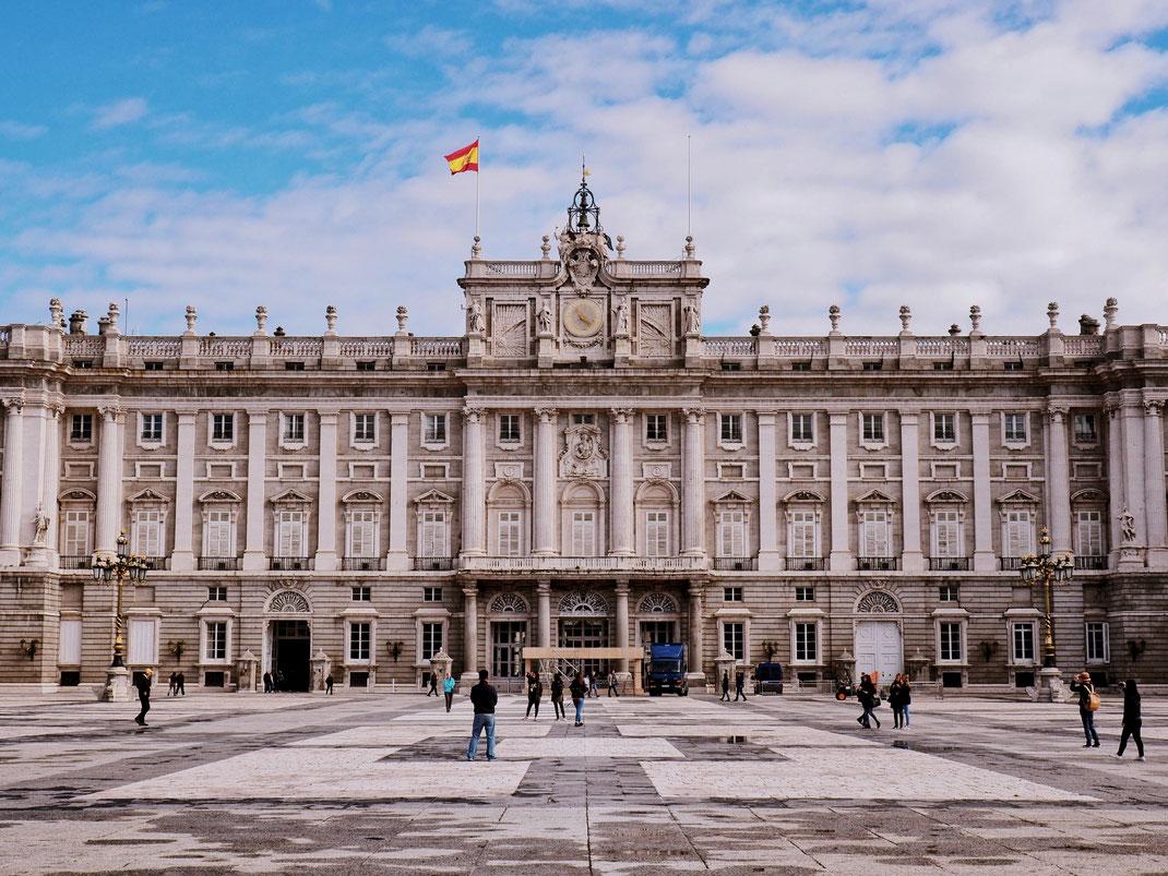 Buckingham Palace?! No, the Royal Palace of the Spanish Royal Family!