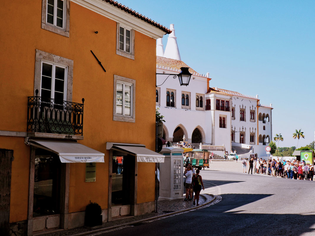 Praça Republica - A nice perspective of Sintra's old-town