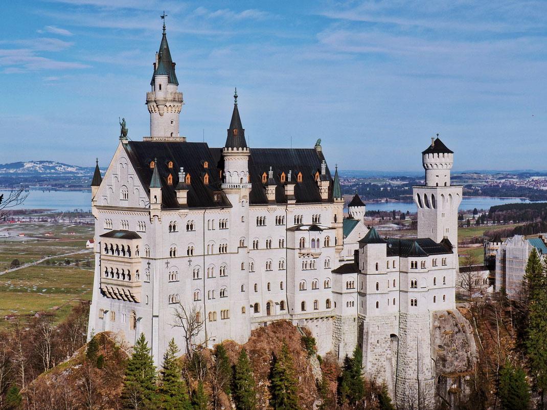 The most picturesque photo of the Neuschwanstein Castle from the Marienbrücke bridge