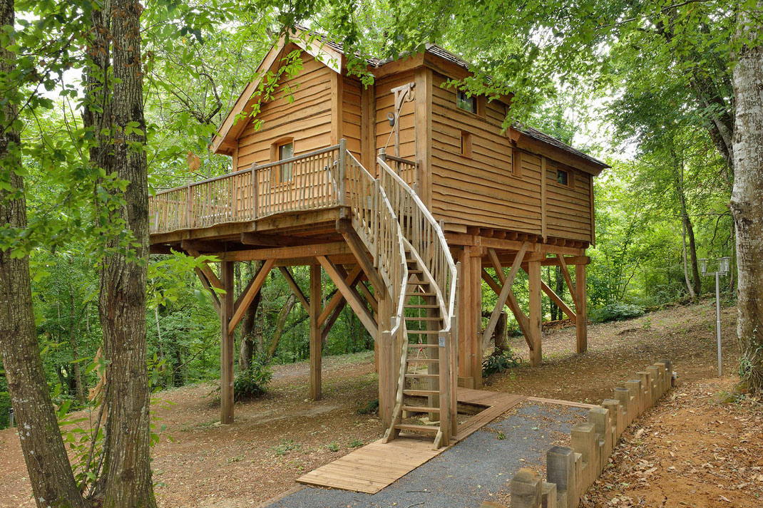 Gîte atypique en Dordogne afin de permettre une découverte confort et nature du Périgord  © Michel Blot, Photographe