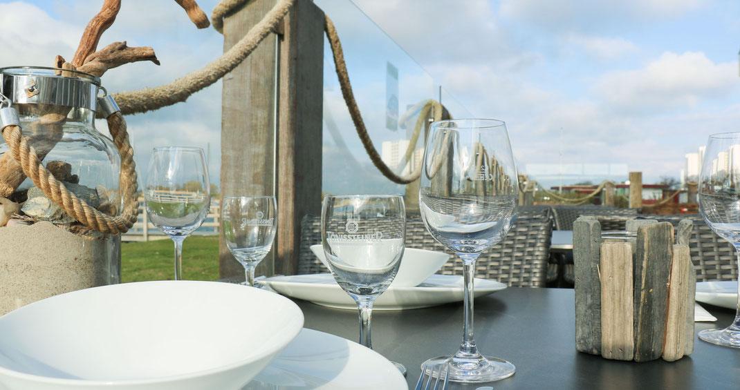 Sailors Inn Fehmarn - Terrasse mit Blick auf den Burger Binnensee
