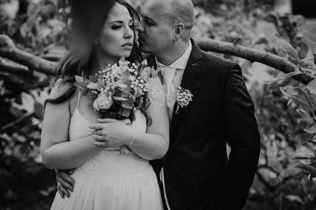 romantische fotos, schwarzweiß, Hochzeitsfotos heidelberg, available light, standesamt mannheim