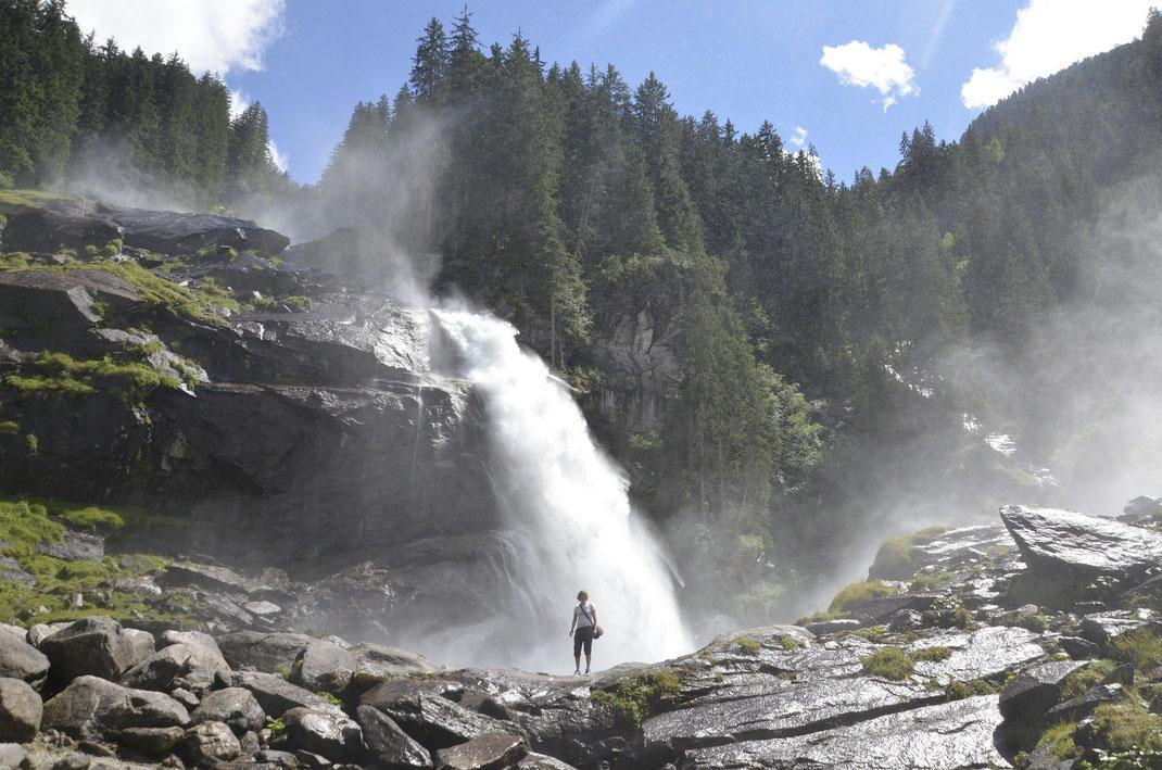 Die Krimmler Wasserfälle im westlichen Teil Salzburgs gehören zu den imposantesten Naturdenkmälern in Österreich
