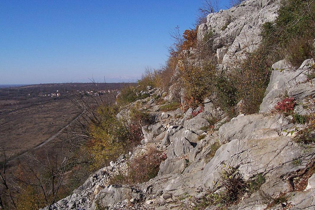 Karstgestein prägt die Landschaft dieser grenzüberschreitenden Region