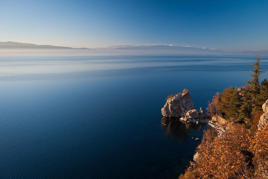 Der Ohrid-See zählt zu den ältesten Seen Europas und steht unter UNESCO-Schutz