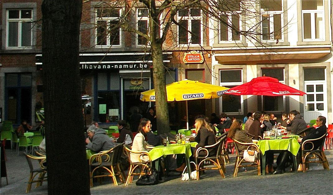 Der zentrale Place Marché aux Légumes ist der Treffpunkt Jung und Alt.