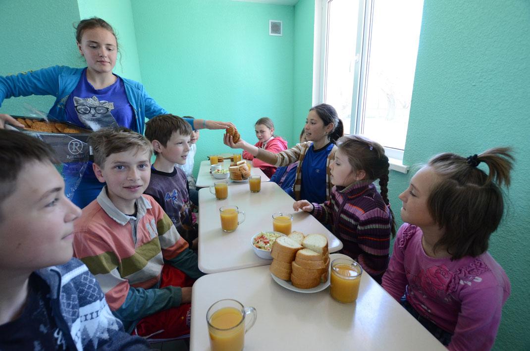 Mittagessen im Gemeinschaftszentrum Palanca