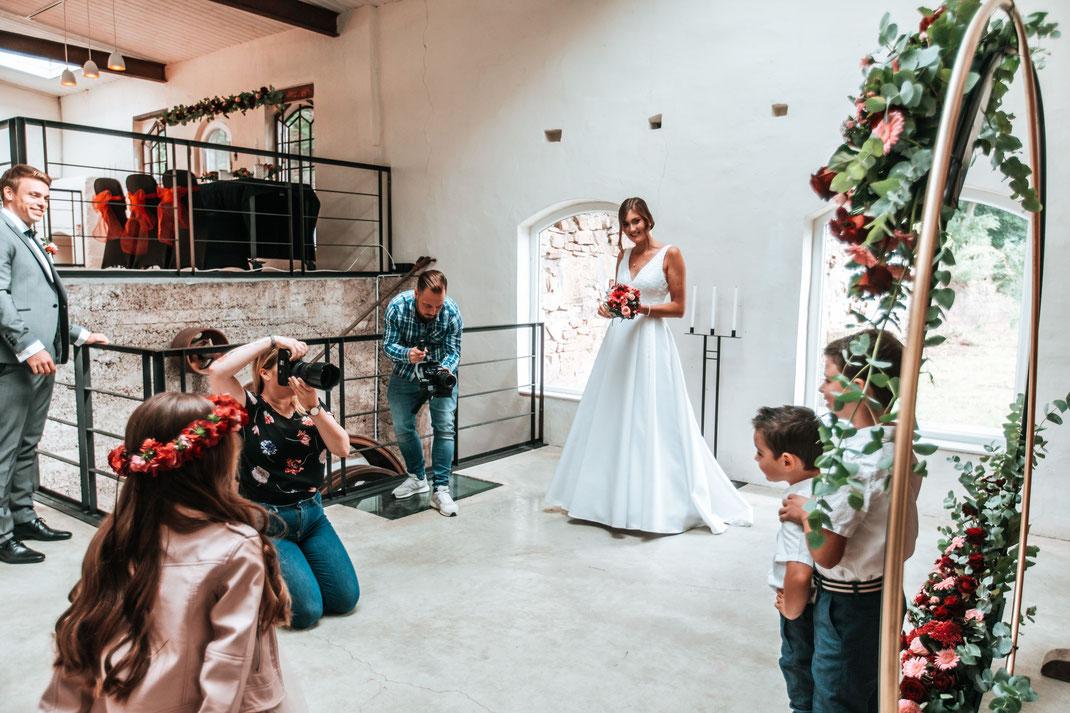 Am 30. August 2020 fand ein Fotoshooting in der Mastertmühle statt. Die Fotografie und alle anderen Auskünfte über  www.biancafunkenphotography.de