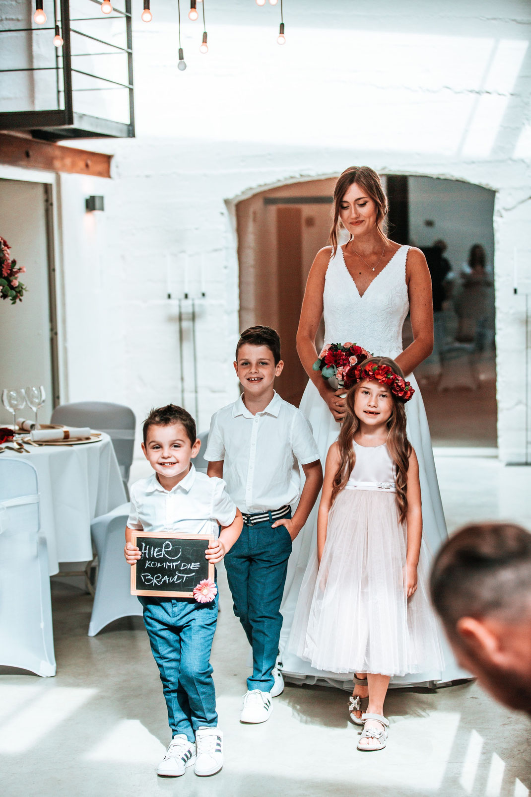 Hier kommt die Braut - Brautmode Isabelle Couture