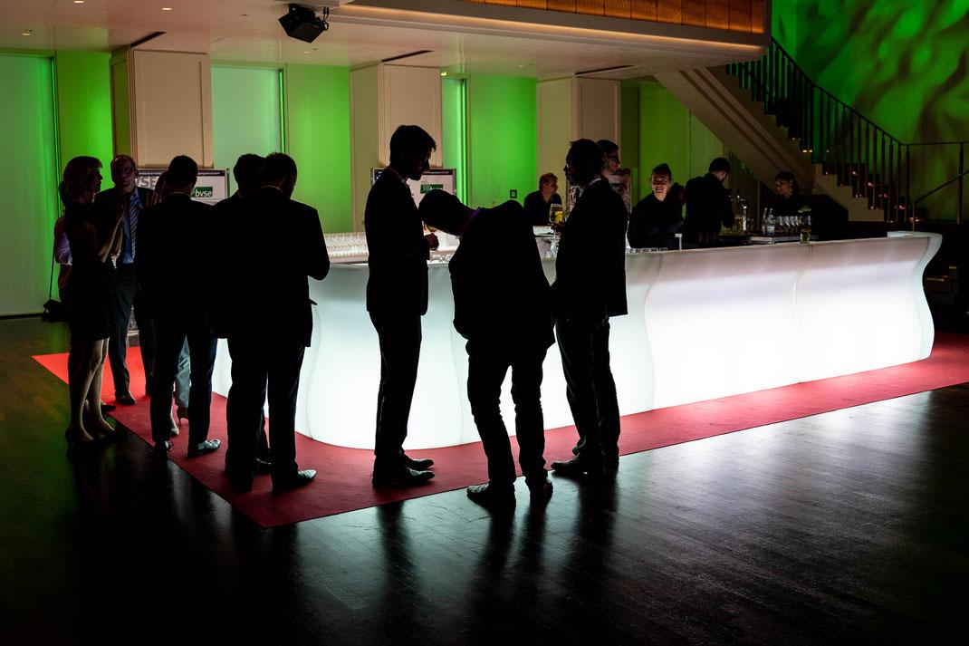 Fotografie one Blitz - Lichtstimmung an der Bar