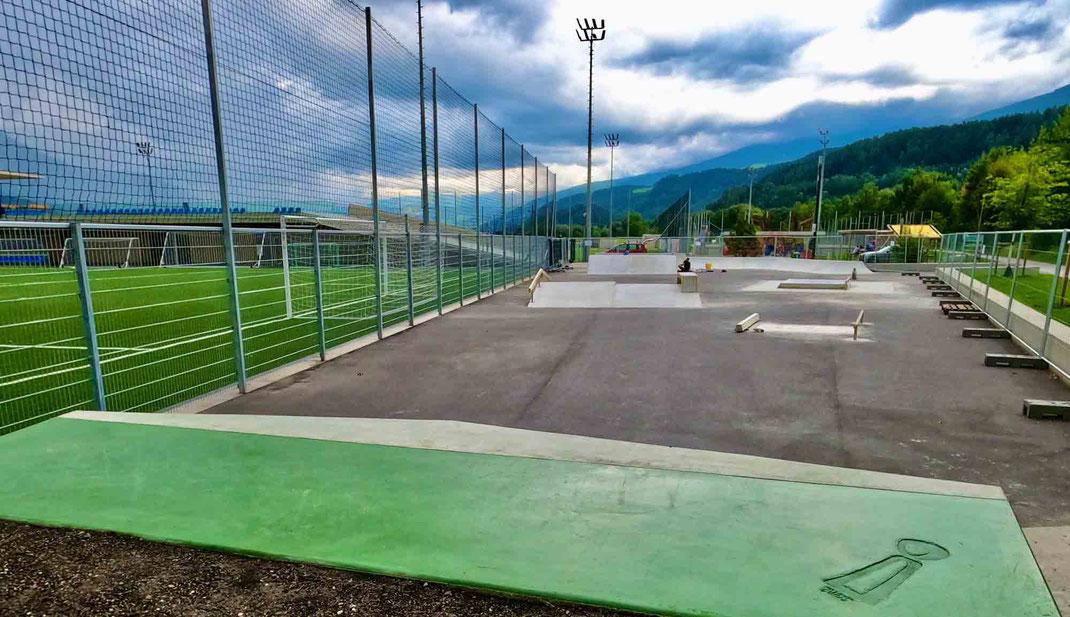 Skatepark Sane Skate Plaza Rum overview © Michael Schatz