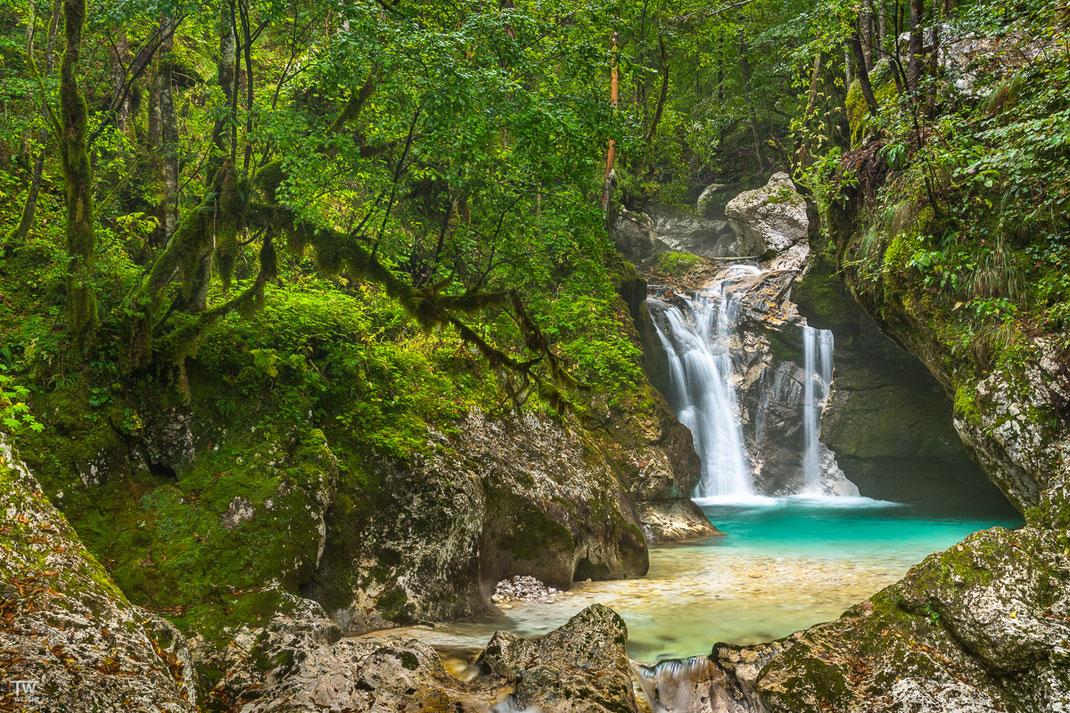 Hidden waterfall… (B2233)