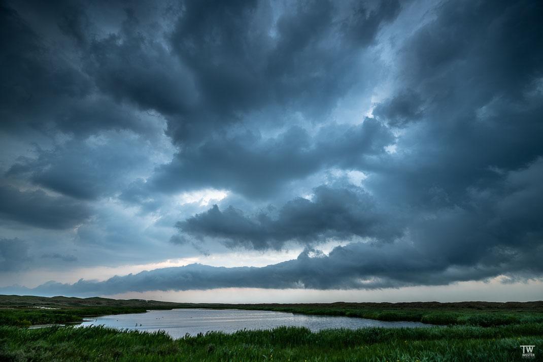 Eine imposante Gewitterstimmung im Gebiet Bollekammer (B2056)
