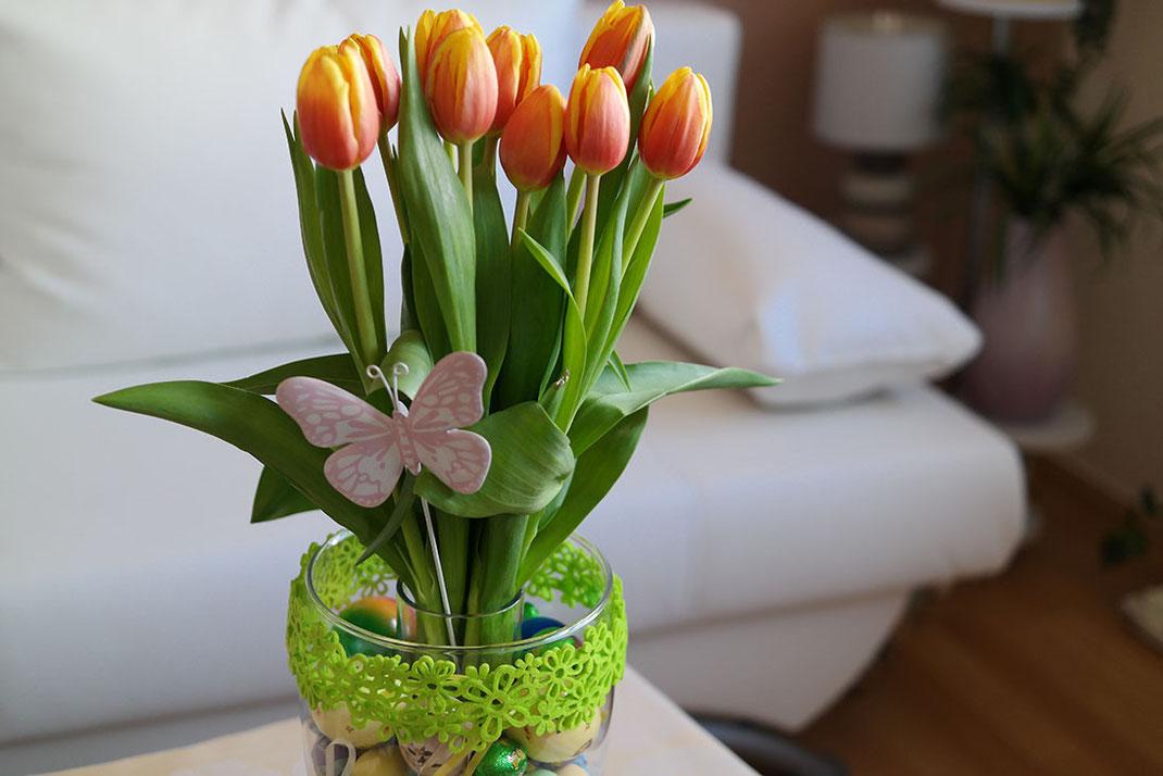 Frohe Ostern mit meiner bunt gestalteten Frühlingsvase   Tulpen   Lifestyle Trend
