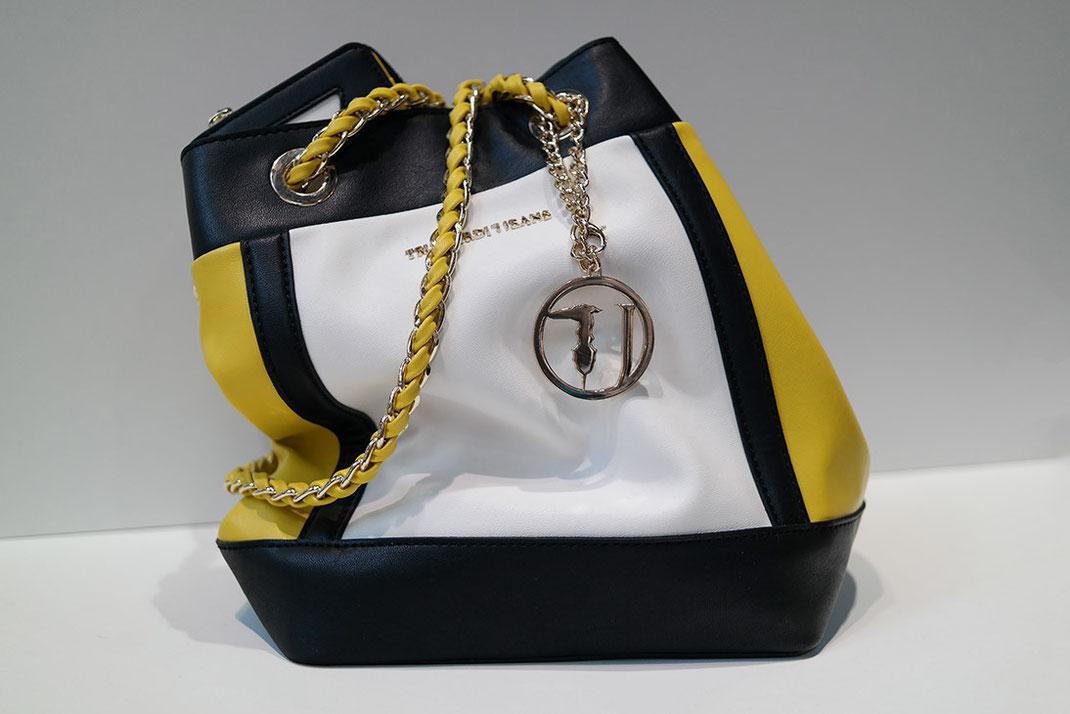 Style Trend Bucket Bag | Warum sind Beuteltaschen heutzutage so beliebt? | hot-port.de | 30+ Style Blog