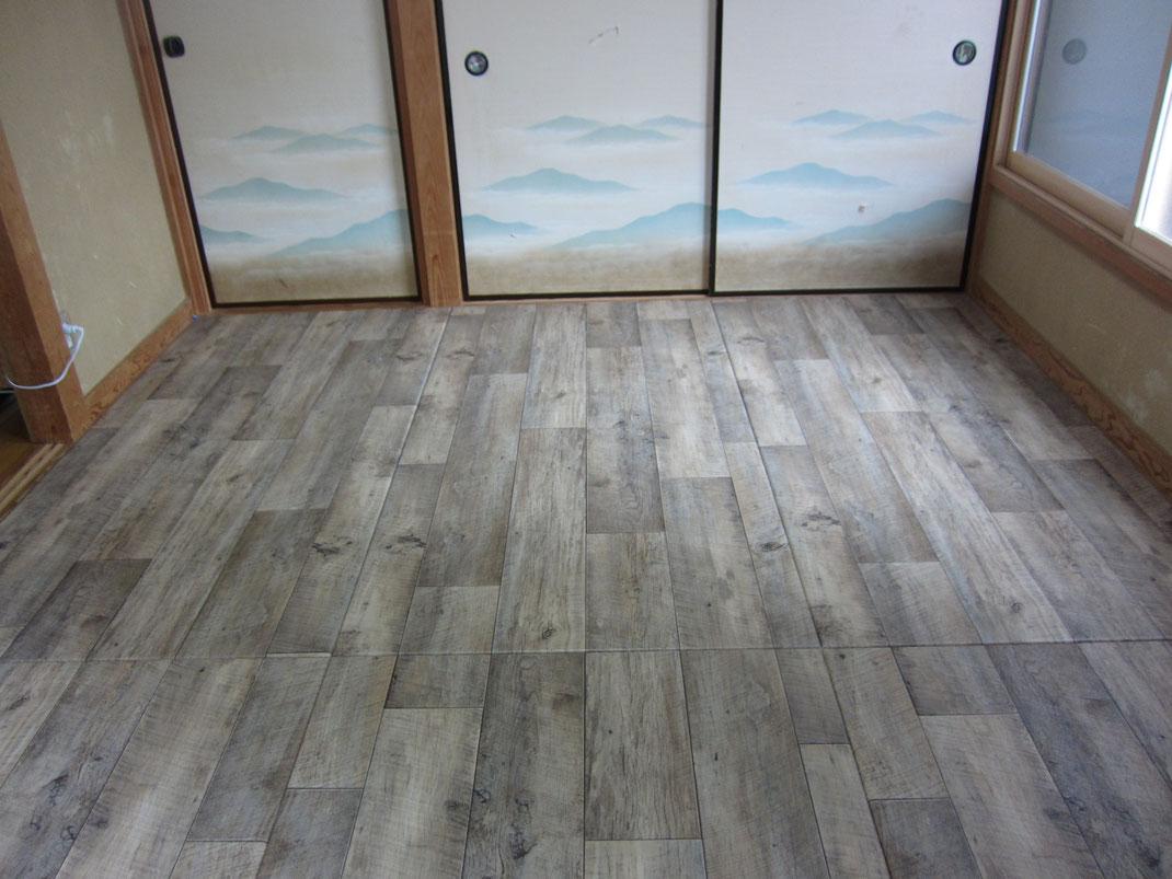洋室も作れる畳です!これが、当店で開発した「リフォーム畳®」です!畳なので直に座っても柔らかさがあります。