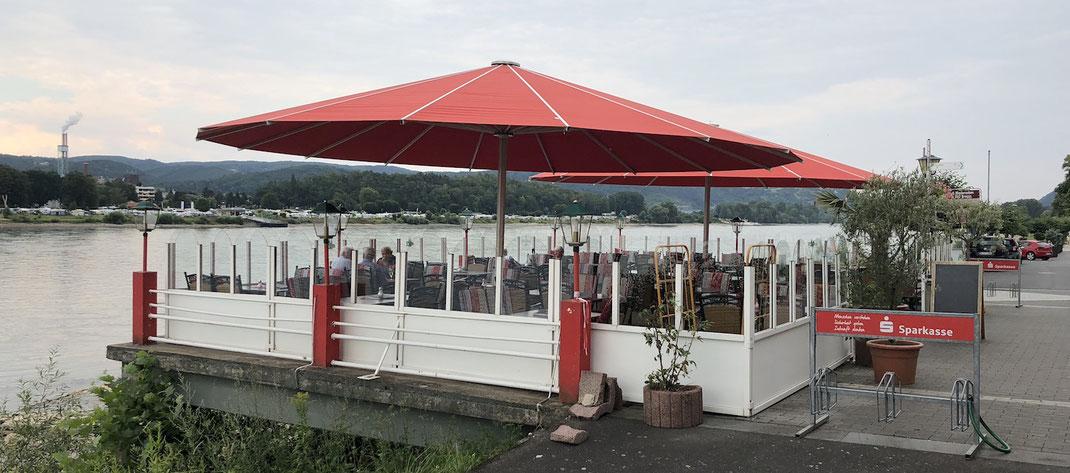 Windschutz auf Terrasse in der Gastronomie