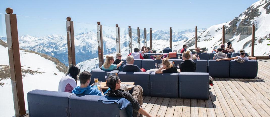 Apres Ski auf der Gastronomie Terrasse