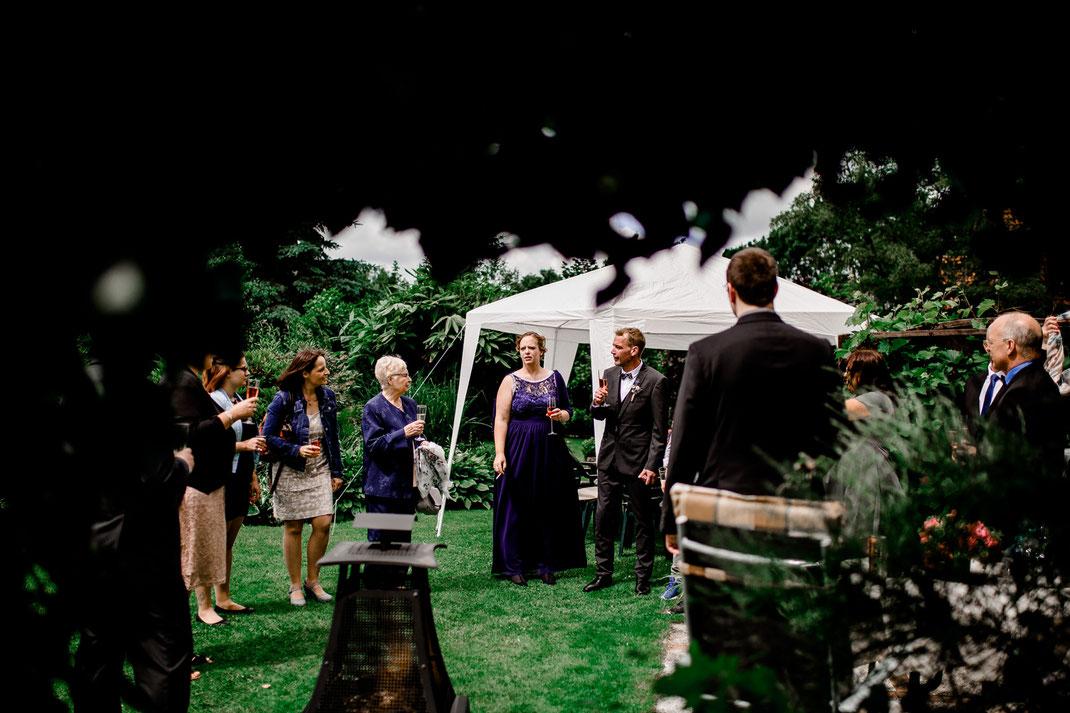 Krautsand, Standesamt, Elbe, Strand, Hamburg, Wedding, Hochzeit, Rathaus, Trauung, Idee, Inspiration, Deko, Feier, Brautpaar, Bride, Groom