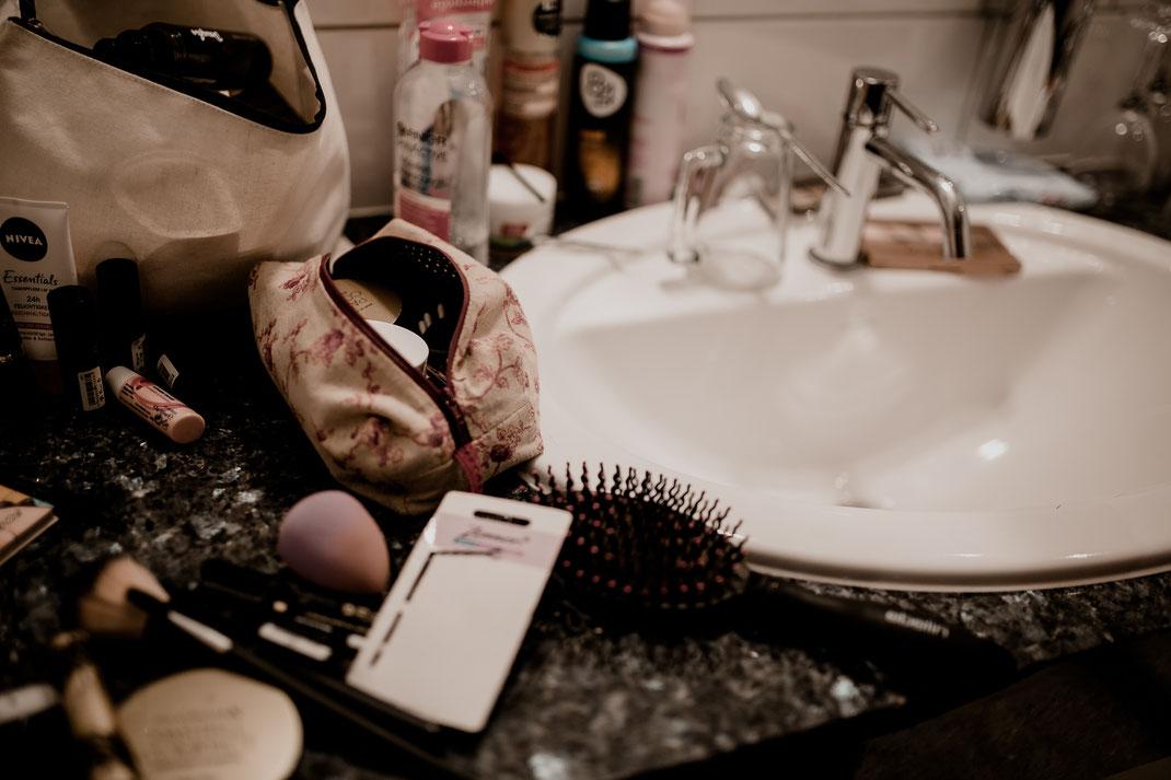 hotel altes land, jork, buxtehude, fotografin, harsefeld, hochzeit, wedding, kutsche, döscher, ins glück, pferde, getting ready,badezimmer, trauung, real, realwedding, vanessa teichmann samuelsen, fotografie, fotograf, mitra, brautmakeup, makeup,