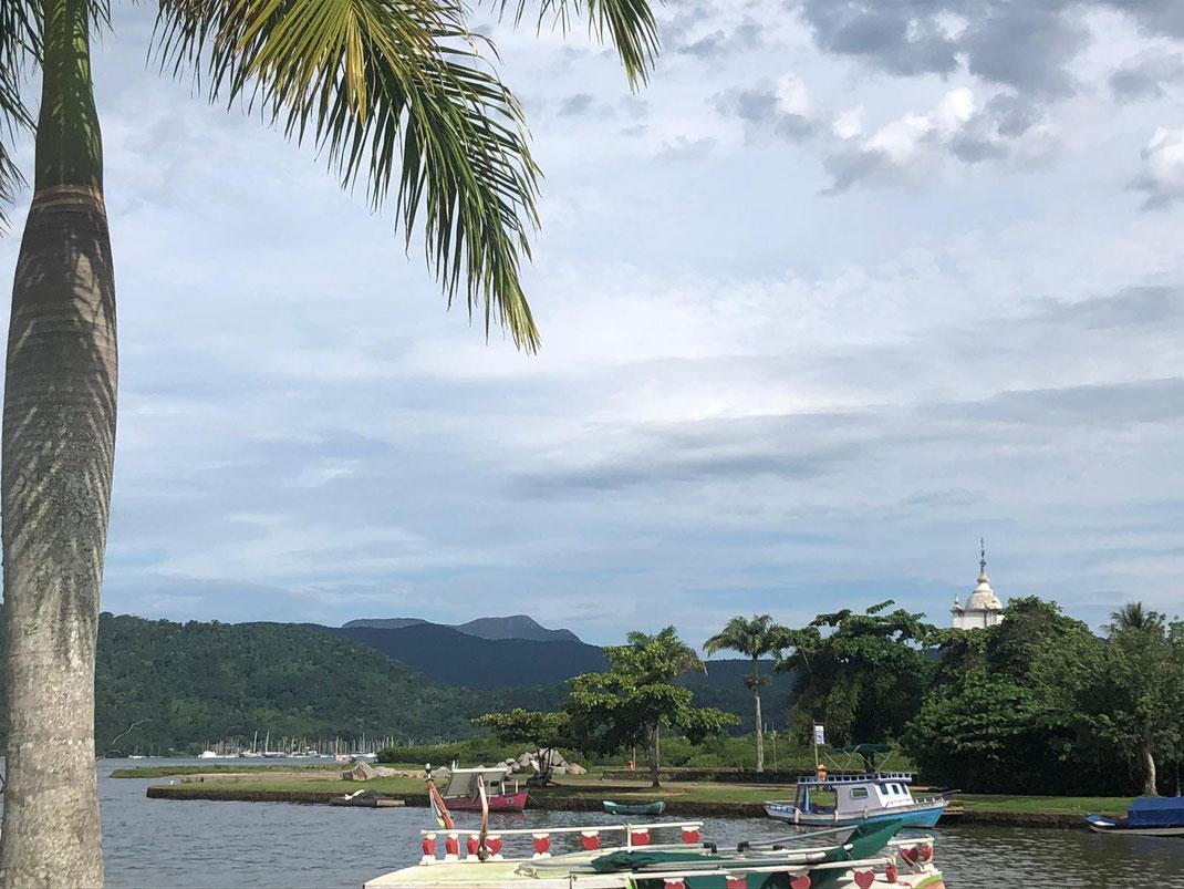 Embouchure de rivière, vers la plage de Paraty