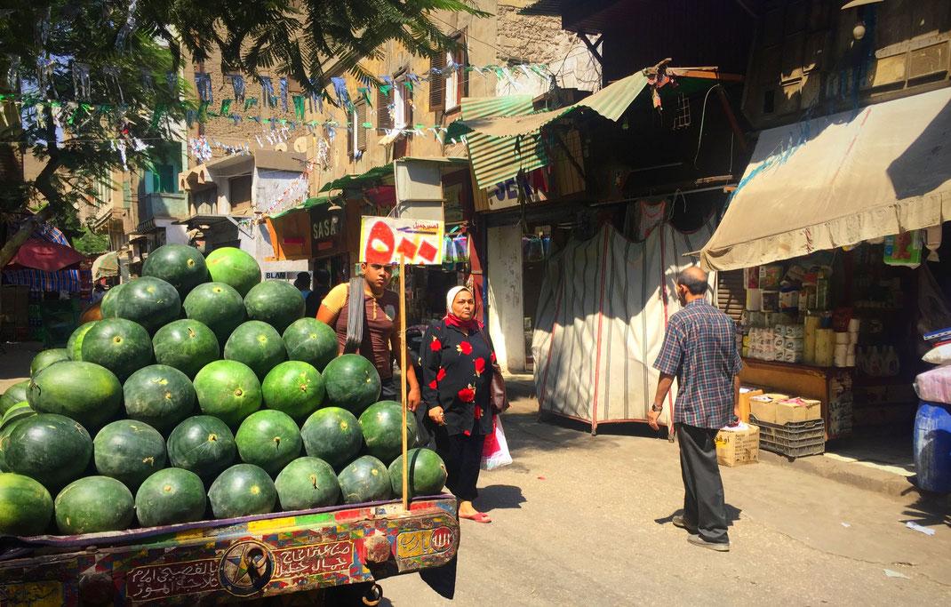 Aux abords des ruelles étroites de Khan al Khalili