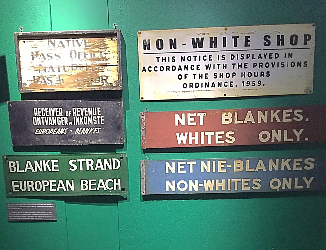 Affiches publiques durant l'époque de l'Apartheid