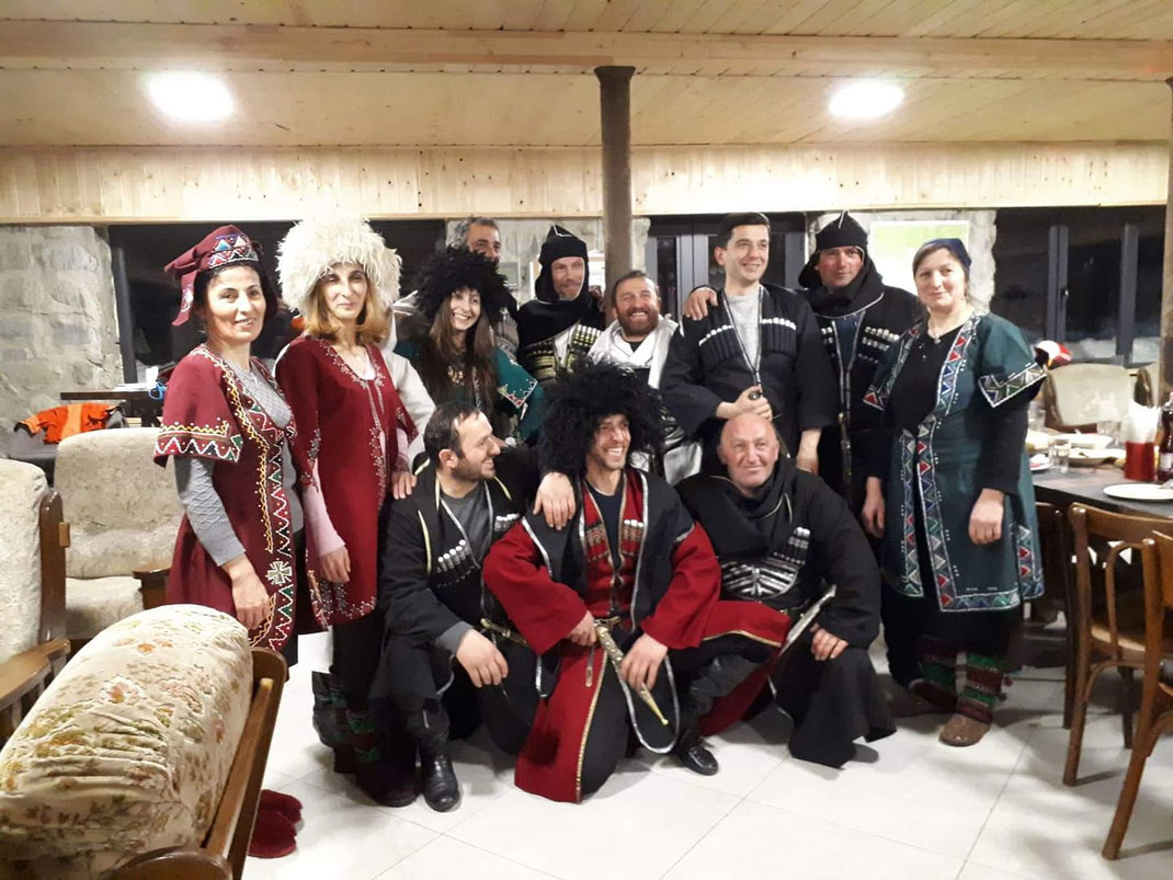At the end of the seaon we had once again a great party - this time the team in traditional cloths... 03/2019.