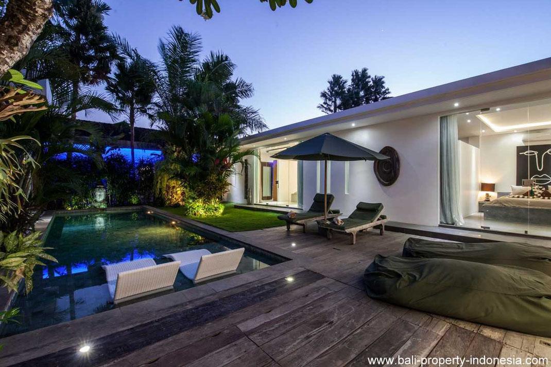 Seminyak 3 bedroom villa for sale with open living.